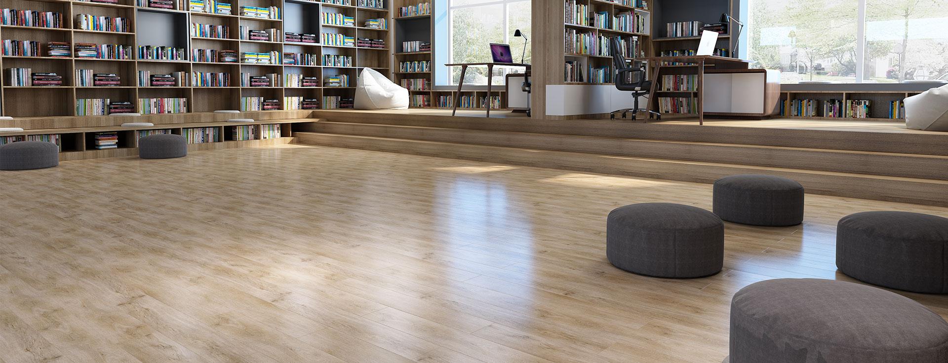 alvera lantai vinyl motif kayu meredam suara pada perpustakaan