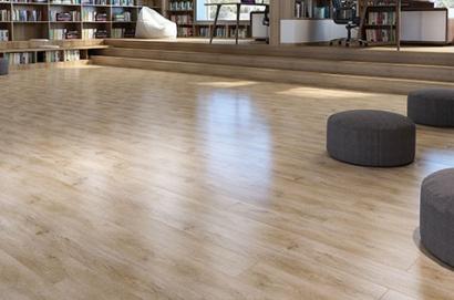 kelebihan lantai vinyl dibandingkan jenis lantai lainnya