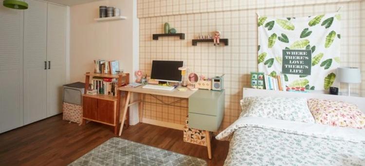lantai vinyl motif kayu pada kamar tidur ala korea